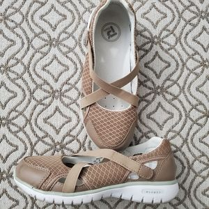 Propet Travellite Mary Jane Shoes